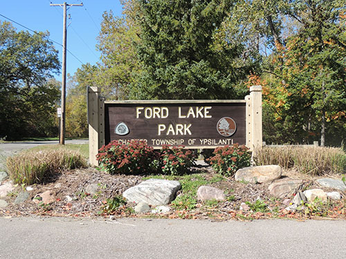 Ford-Lake-Sign